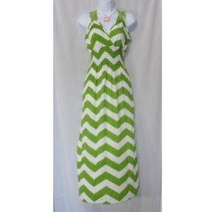 Dresses & Skirts - GREEN AND WHITE CHEVRON FULL LENGTH SUNDRESS L